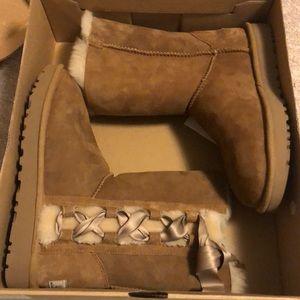 NEW UGG W PALA 1017531 Boots Size 7
